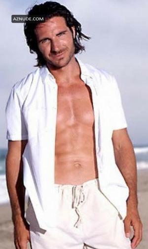 Bikini Actor Ed Quinn Naked Pic