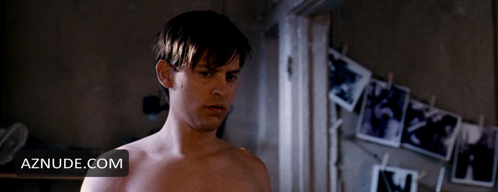Maguire naked tobey Leonardo DiCaprio