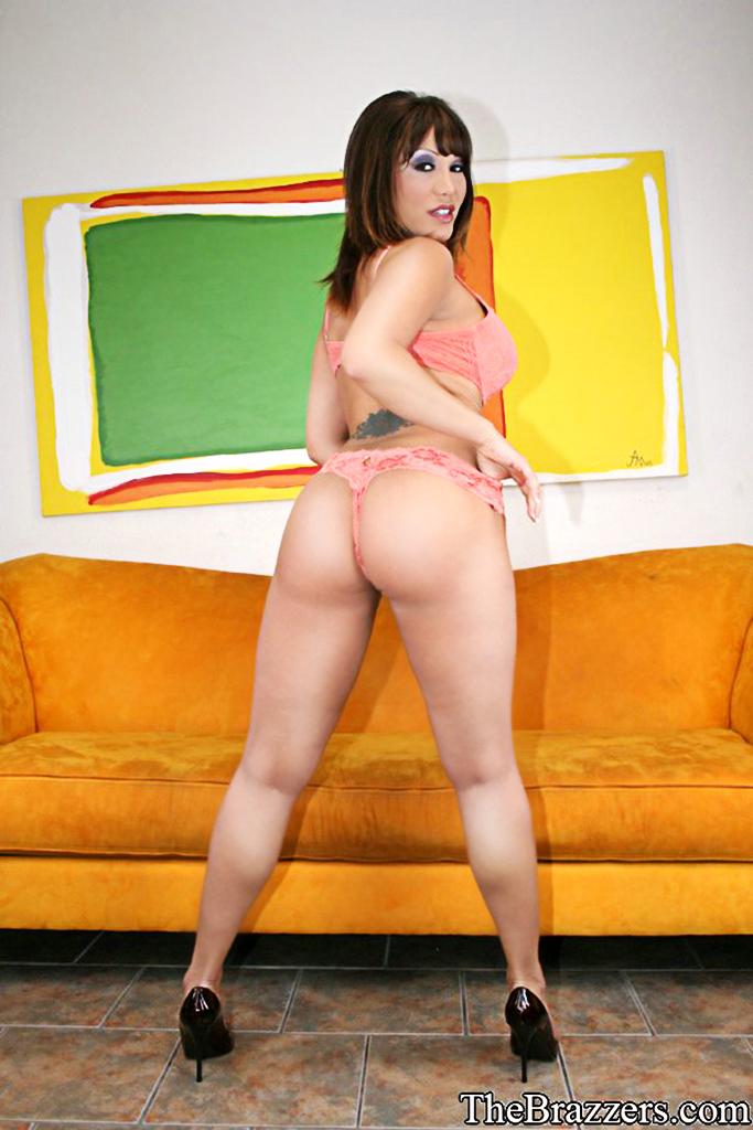 Nude women sucking my dick