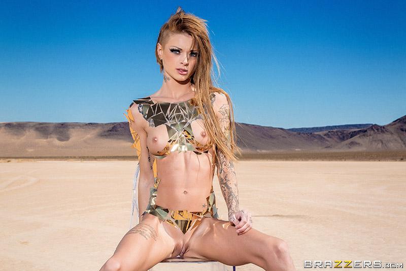 Kimber Veils Nude - Aznude-3124