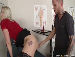 Cumshot on amateur tits