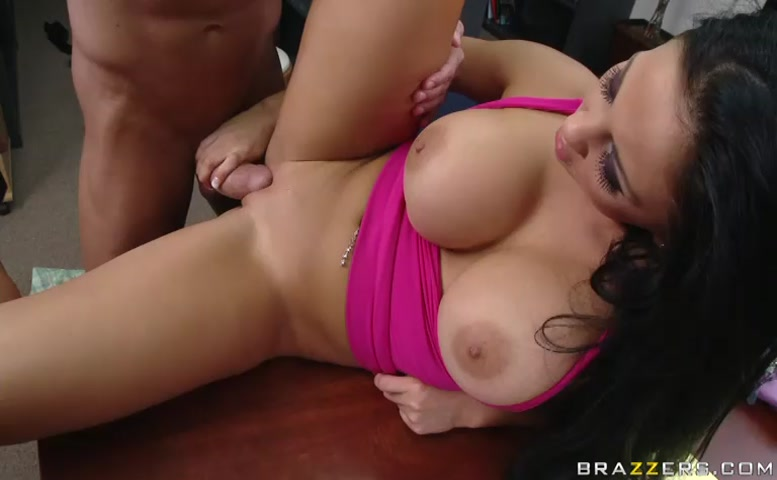 Audrey Bitoni in Dweeb'S Lucky Day