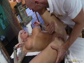 LOLLY INK NUDE/SEXY SCENE IN RETAIL THERAPY