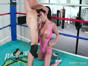 KENDRA LUST NUDE/SEXY SCENE IN ALL FOR A GOOD PIECE OF PUSSY