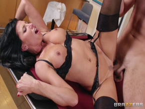 LEZLEY ZEN NUDE/SEXY SCENE IN EARNING THAT NEW PROMOTION