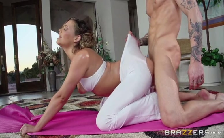Mia Malkova in White Yoga Pants
