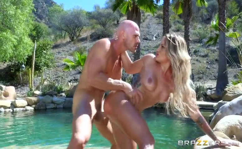 Kissa Sins in California Creaming