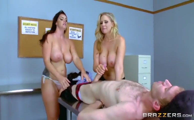 Julia Ann in Fluids On The Flight 2